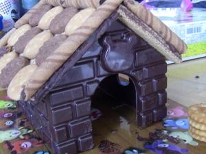 お菓子の家 (300x225).jpg
